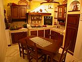 Cucina 124 - © L'ARTIGIANO arredamenti - All Rights Reserved